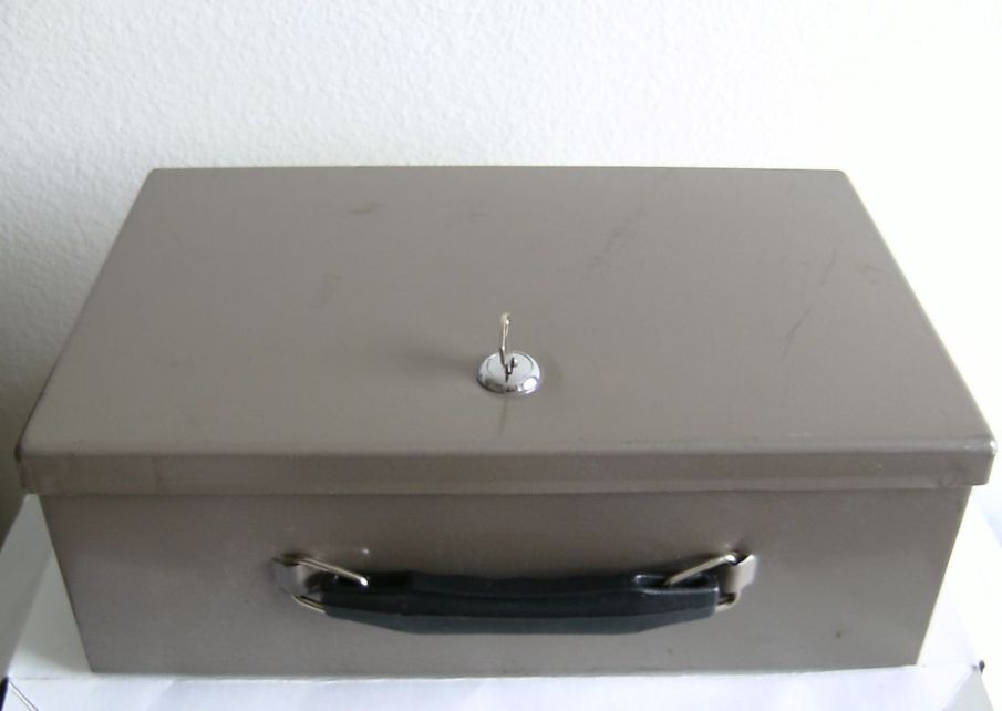 vtg-rockaway-new-york-fire-resistant-security-lock-box-gun-safe-metal-37818